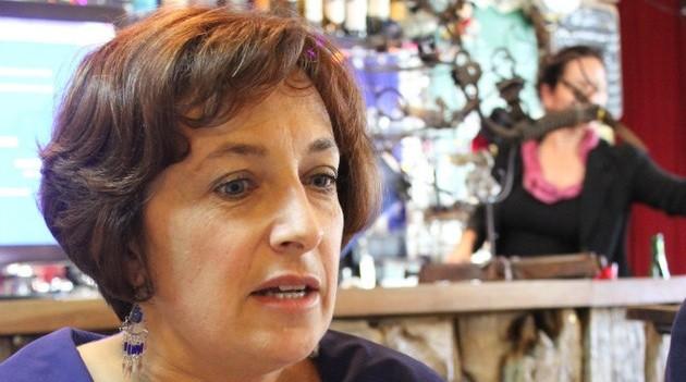 Isabelle Attard reçoit le prix de l'E-Toile d'Or 2014 « politique »