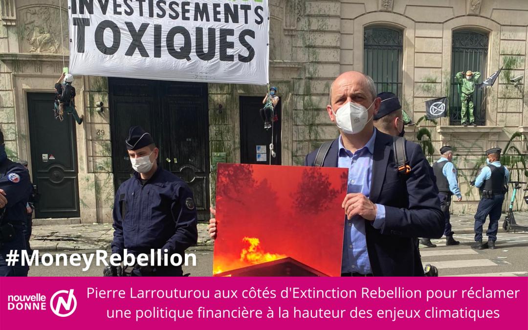 """[Climat] Pierre Larrouturou prend part à une action """"pour mettre enfin la finance au service de la vie"""""""
